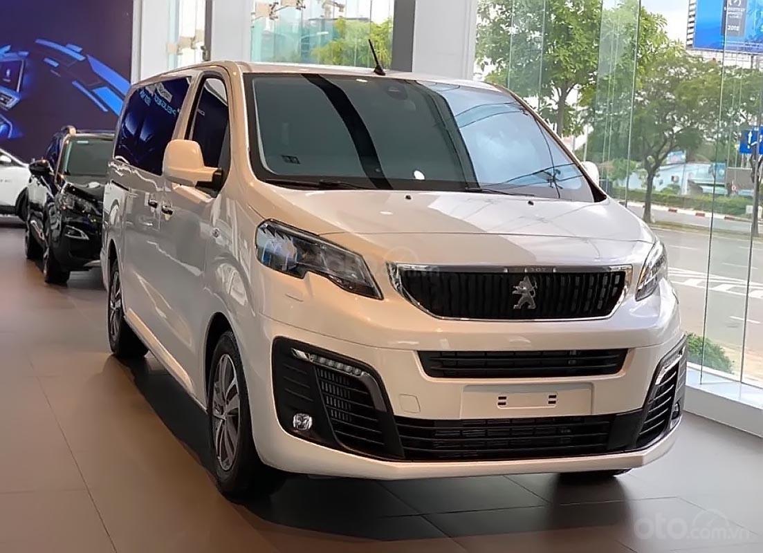 Bán Peugeot Traveller Luxury sản xuất 2019, màu trắng (1)