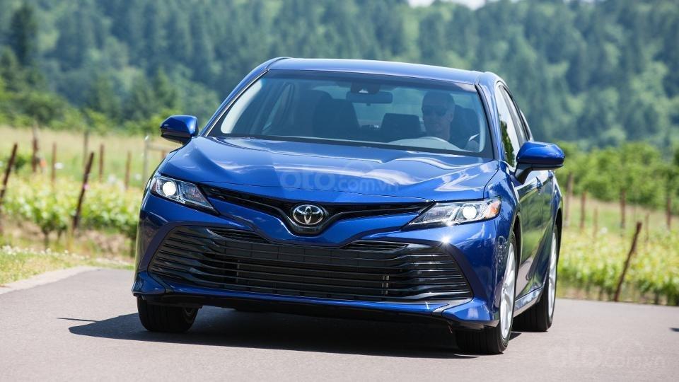 Những mẫu xe an toàn giá rẻ nhất tại Mỹ - Toyota Camry