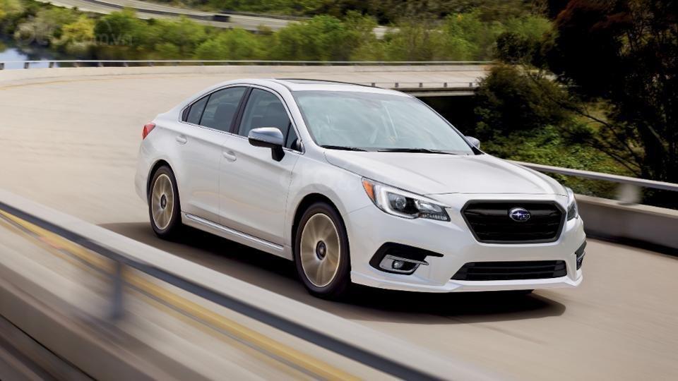 Những mẫu xe an toàn giá rẻ nhất tại Mỹ - Subaru Legacy