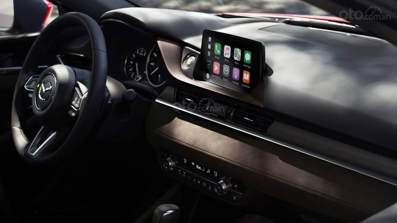 Ưu nhược điểm Mazda 6 2019 - Tiện nghi trong tầm tay