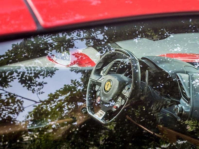 Nội thất Ferrari 488 Spider mui trần