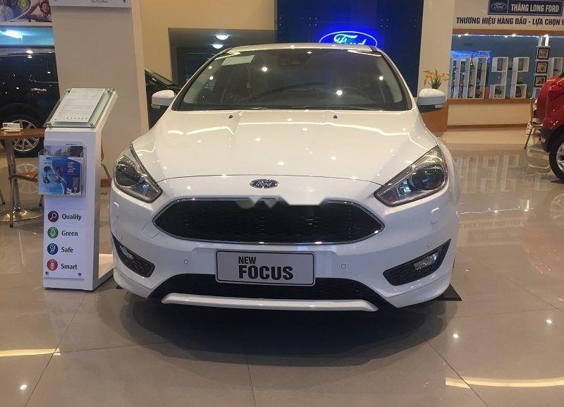Cần bán xe Ford Focus đời 2019, màu trắng, giá 600tr (3)