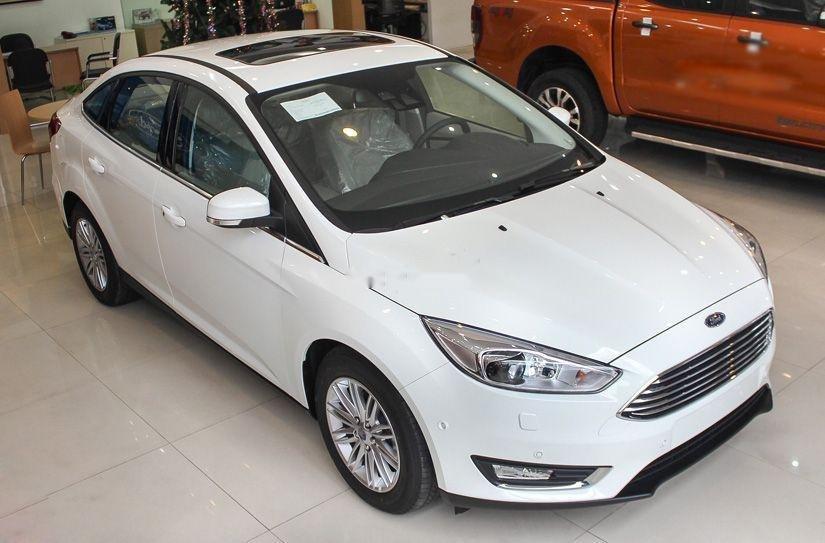 Cần bán xe Ford Focus đời 2019, màu trắng, giá 600tr (1)