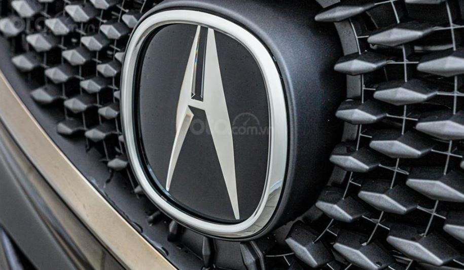 Đánh giá xe Acura TLX 2020 về đầu xe - Logo cùng họa tiết