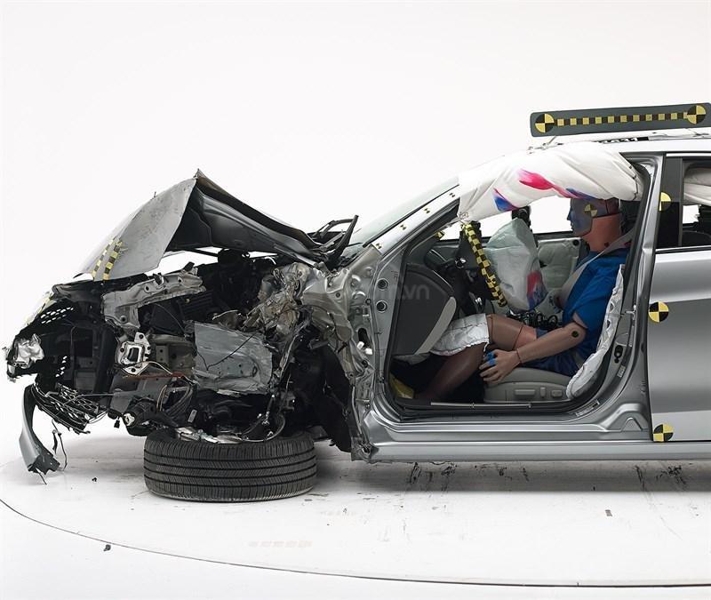 Đánh giá xe Acura TLX 2020 về tính năng an toàn - Tận tình bảo hộ người dùng