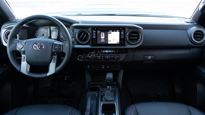 Đánh giá xe Toyota Tacoma TRD Pro 2019 về bảng táp lô