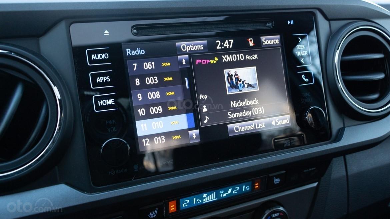 Đánh giá xe Toyota Tacoma TRD Pro 2019 về hệ thống thông tin giải trí - Thiếu các tính năng có sẵn trên các mẫu Toyota khác