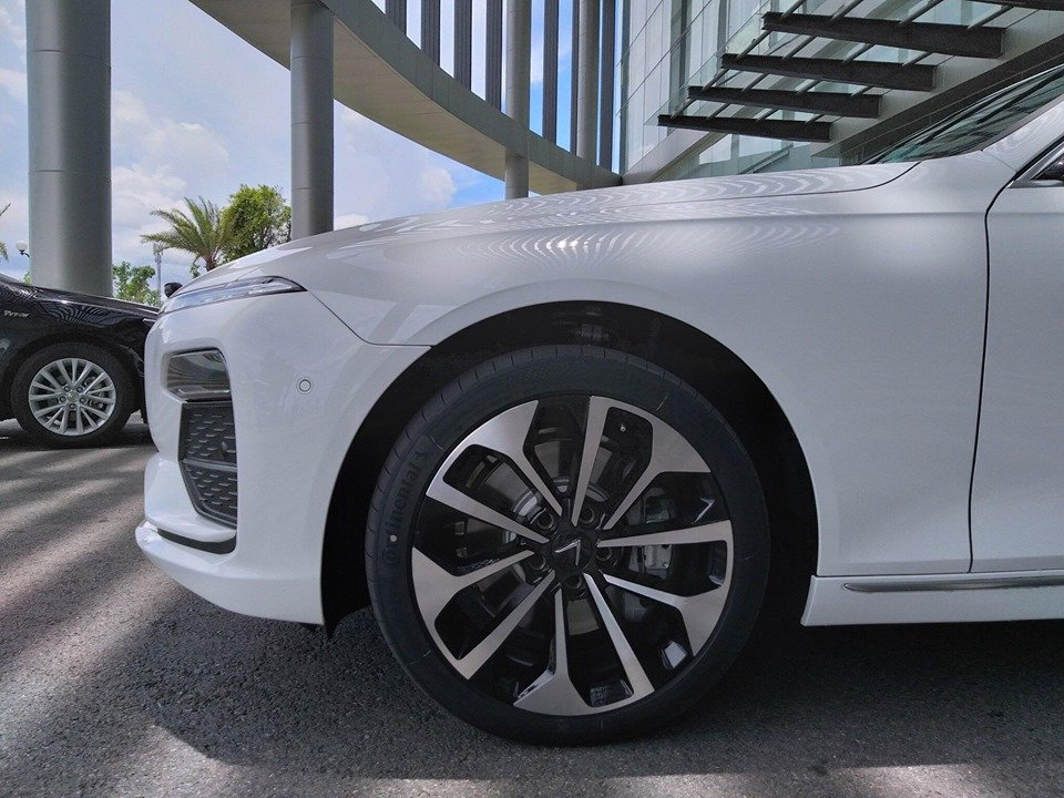 Chi tiết xe VinFast LUX A2.0, đối thủ của Toyota Camry tại Việt Nam a3