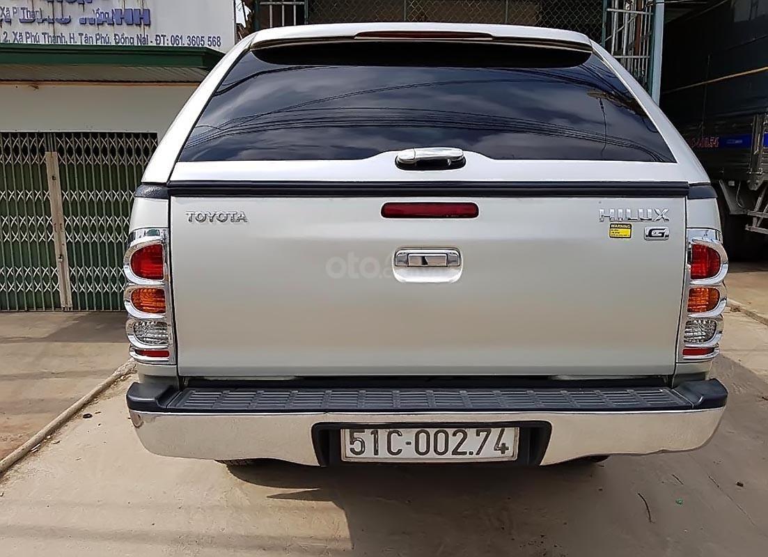 Bán Toyota Hilux 3.0G 4x4 MT 2010, màu bạc, xe nhập (5)