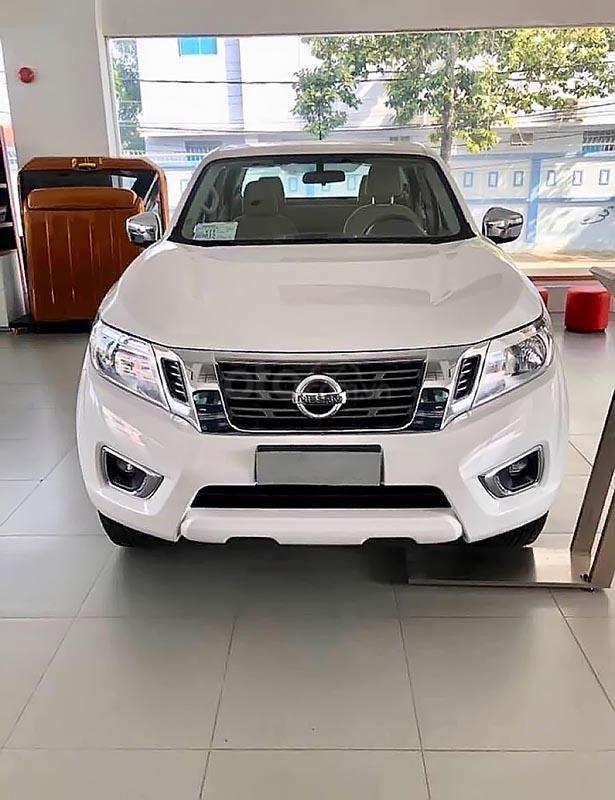 Bán Nissan Navara EL 2.5 AT 2WD 2019, màu trắng, nhập khẩu-1