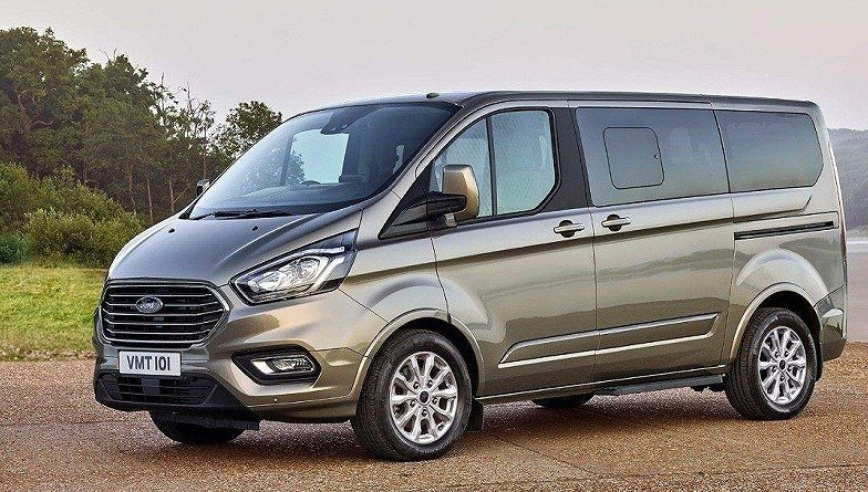 Giá xe Ford Tourneo 2019.