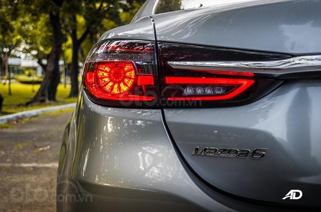 Đánh giá xe Mazda 6 2019 bản máy dầu Skyactiv-D về đuôi xe - Thiết kế thượng đẳng