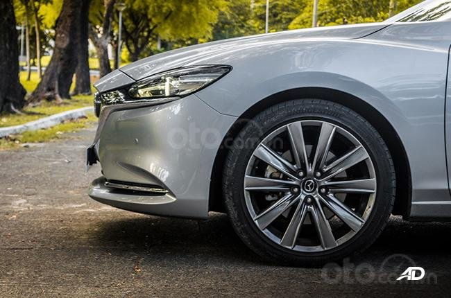 Đánh giá xe Mazda 6 2019 bản máy dầu Skyactiv-D về thân xe - chạm trỗ bắt mắt