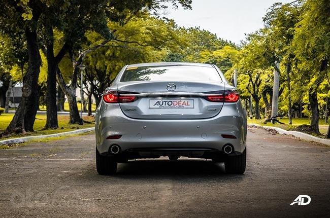 Đánh giá xe Mazda 6 2019 bản máy dầu Skyactiv-D về đuôi xe - Hòa nhịp toàn thể