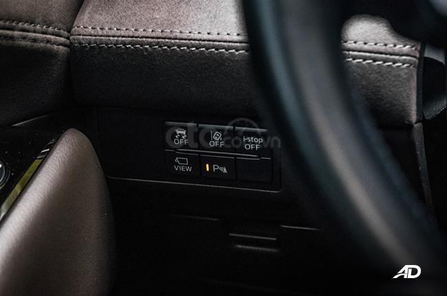 Đánh giá xe Mazda 6 2019 bản máy dầu Skyactiv-D về cảm giác lái - Nút ấn bố trí vừa tầm tay