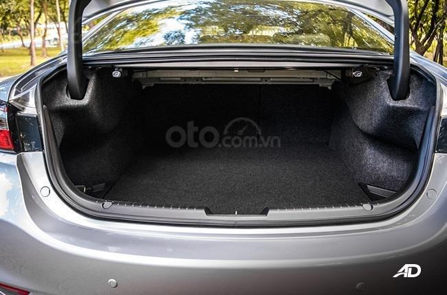 Đánh giá xe Mazda 6 2019 bản máy dầu Skyactiv-D về khoang hành lý