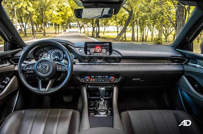 Đánh giá xe Mazda 6 2019 bản máy dầu Skyactiv-D về bảng táp lô