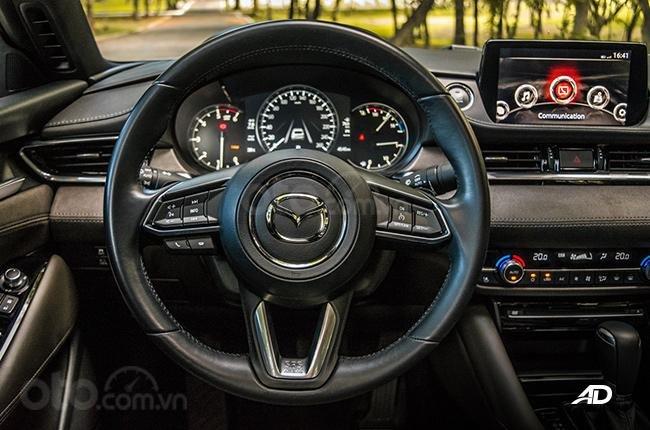Đánh giá xe Mazda 6 2019 bản máy dầu Skyactiv-D về hệ thống thông tin giải trí