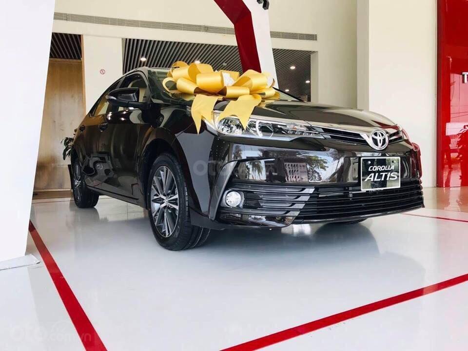 Tháng 8/2019, Toyota Corolla Altis còn được khuyến mại gì? a1