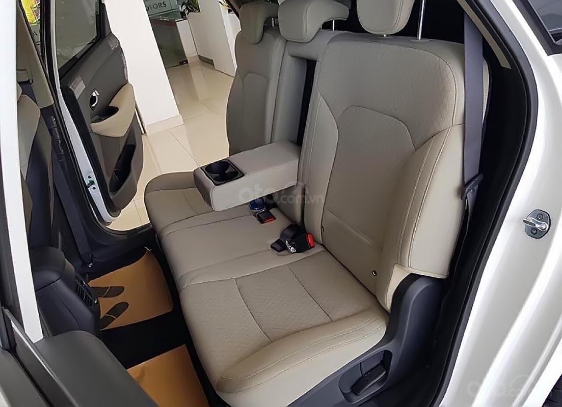 Cần bán xe Kia Rondo đời 2019, màu đen, mới 100% (4)