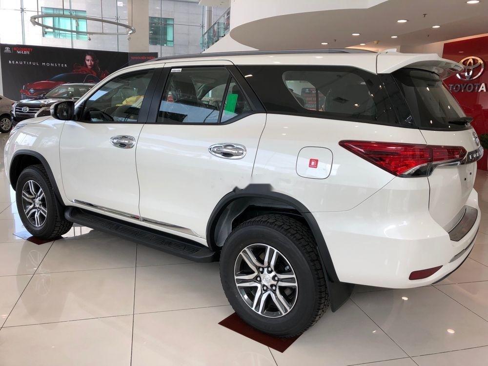 Bán Toyota Fortuner 2.7AT đời 2019, màu trắng, xe nhập (4)