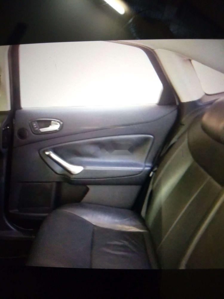 Bán xe Ford Mondeo đời 2010, màu bạc, giá chỉ 395 triệu (4)