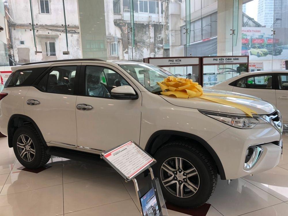 Bán Toyota Fortuner 2.7AT đời 2019, màu trắng, xe nhập (3)