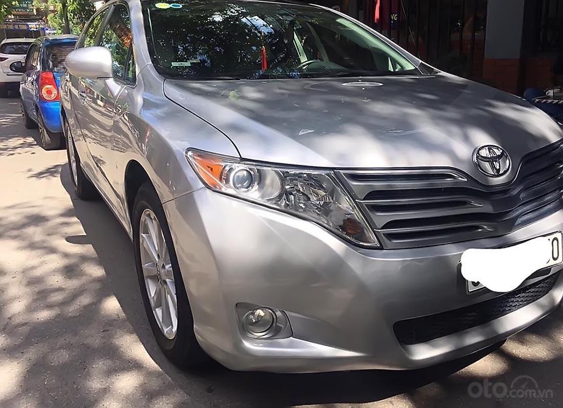 Cần bán gấp Toyota Venza năm 2009, màu bạc, nhập khẩu nguyên chiếc xe gia đình (1)