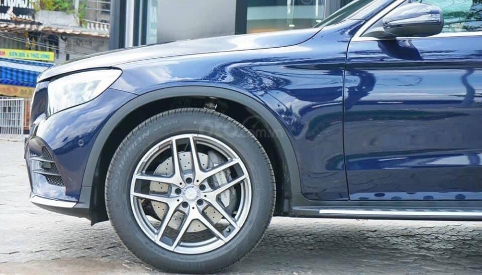 Giá Mercedes GLC 300 4Matic 2019, tặng 50% phí trước bạ (5)
