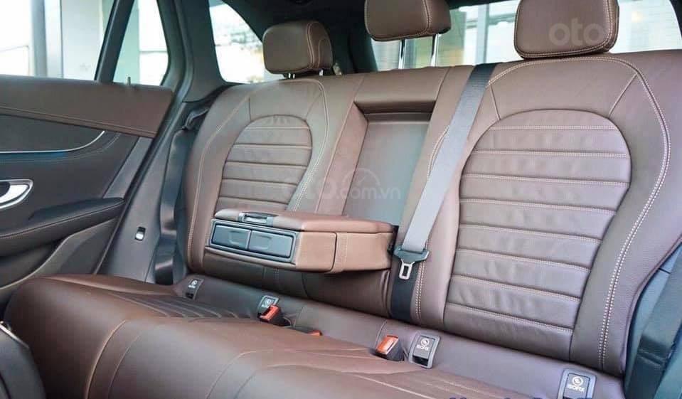 Giá Mercedes GLC 300 4Matic 2019, tặng 50% phí trước bạ (7)