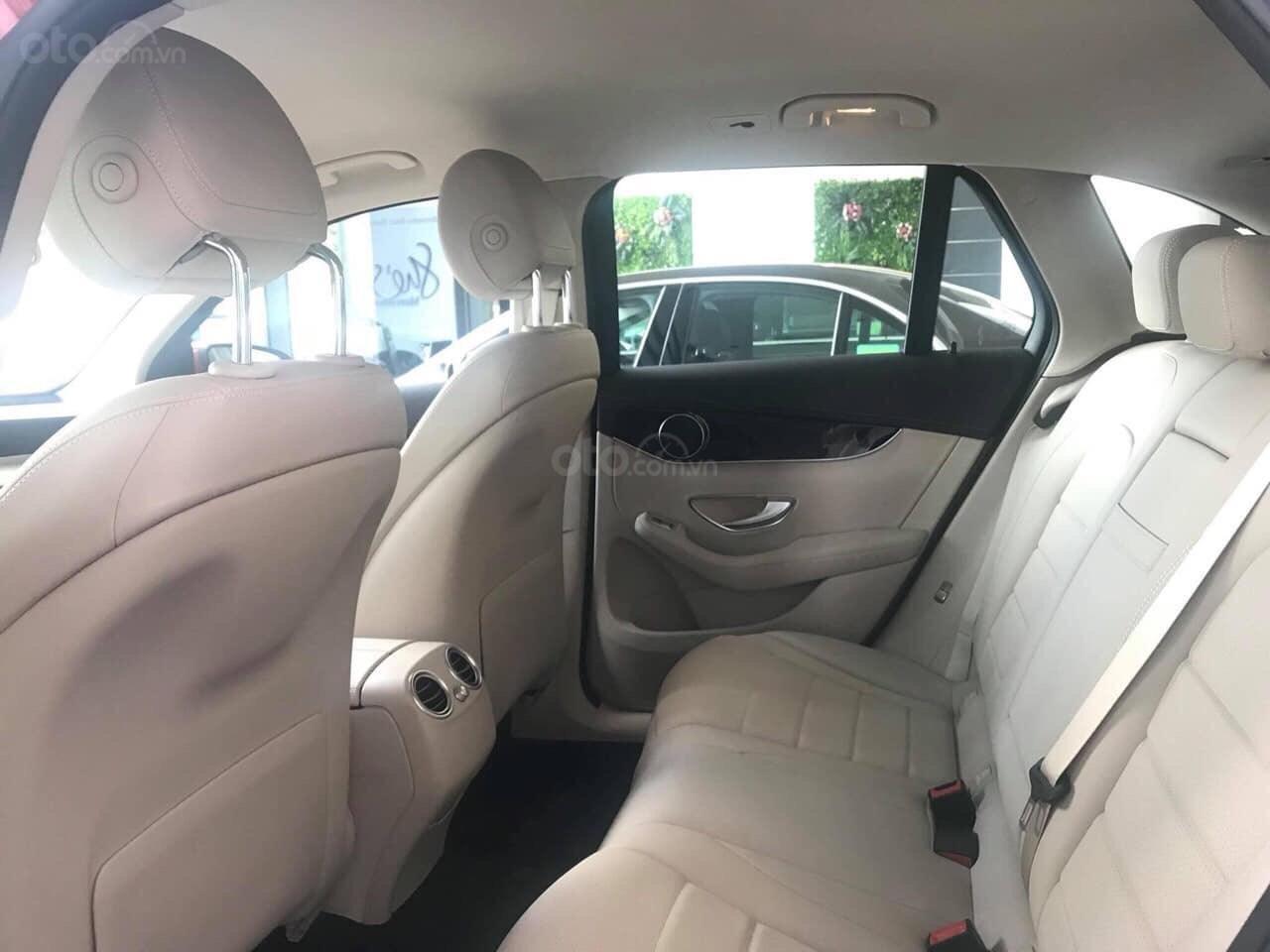 Giá xe Mercedes GLC 200 2019 khuyến mãi, thông số, giá lăn bánh 12/2019 tặng 50% phí trước bạ (2)