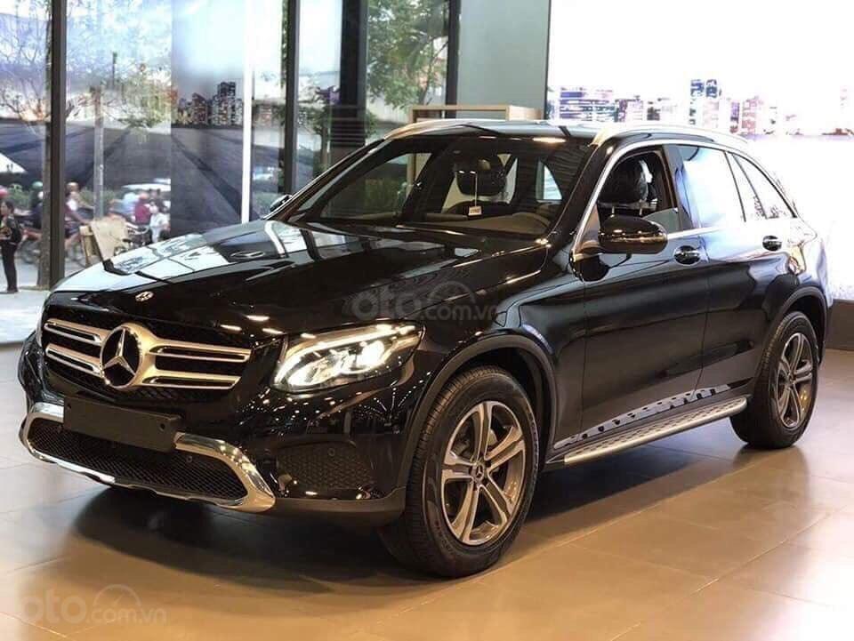 Giá xe Mercedes GLC 200 2019 khuyến mãi, thông số, giá lăn bánh 12/2019 tặng 50% phí trước bạ (5)