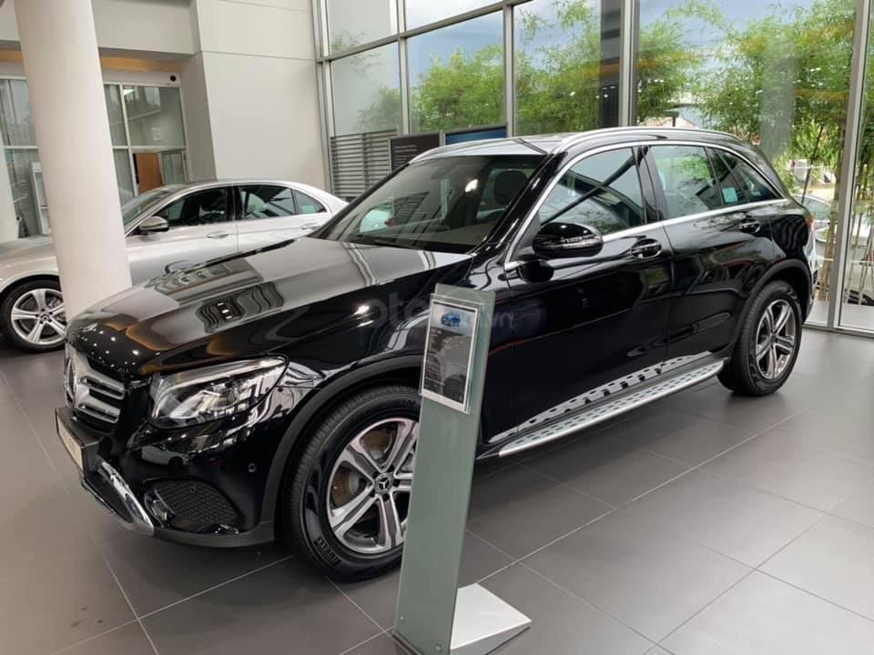 Giá xe Mercedes GLC 200 2019 khuyến mãi, thông số, giá lăn bánh 12/2019 tặng 50% phí trước bạ (7)