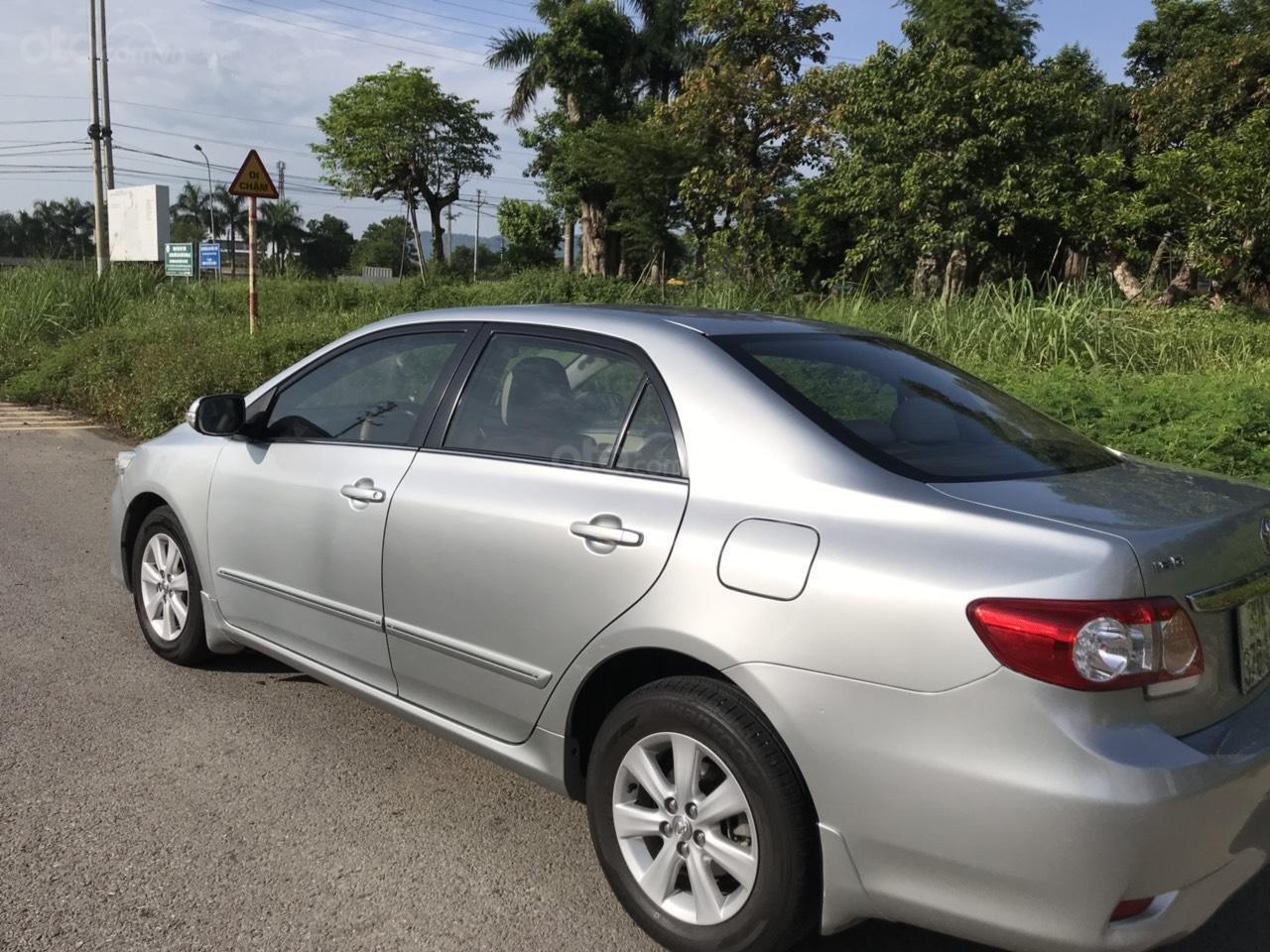 Bán Toyota Corolla altis 1.8L AT sản xuất năm 2010, màu bạc-2