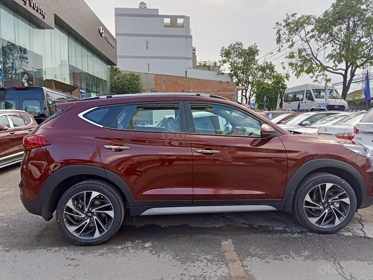 Tucson Turbo 2019 đỏ + Tặng combo Hyundai trị giá 40 triệu đồng + Hỗ trợ trả trước chỉ 10% giá trị xe-1