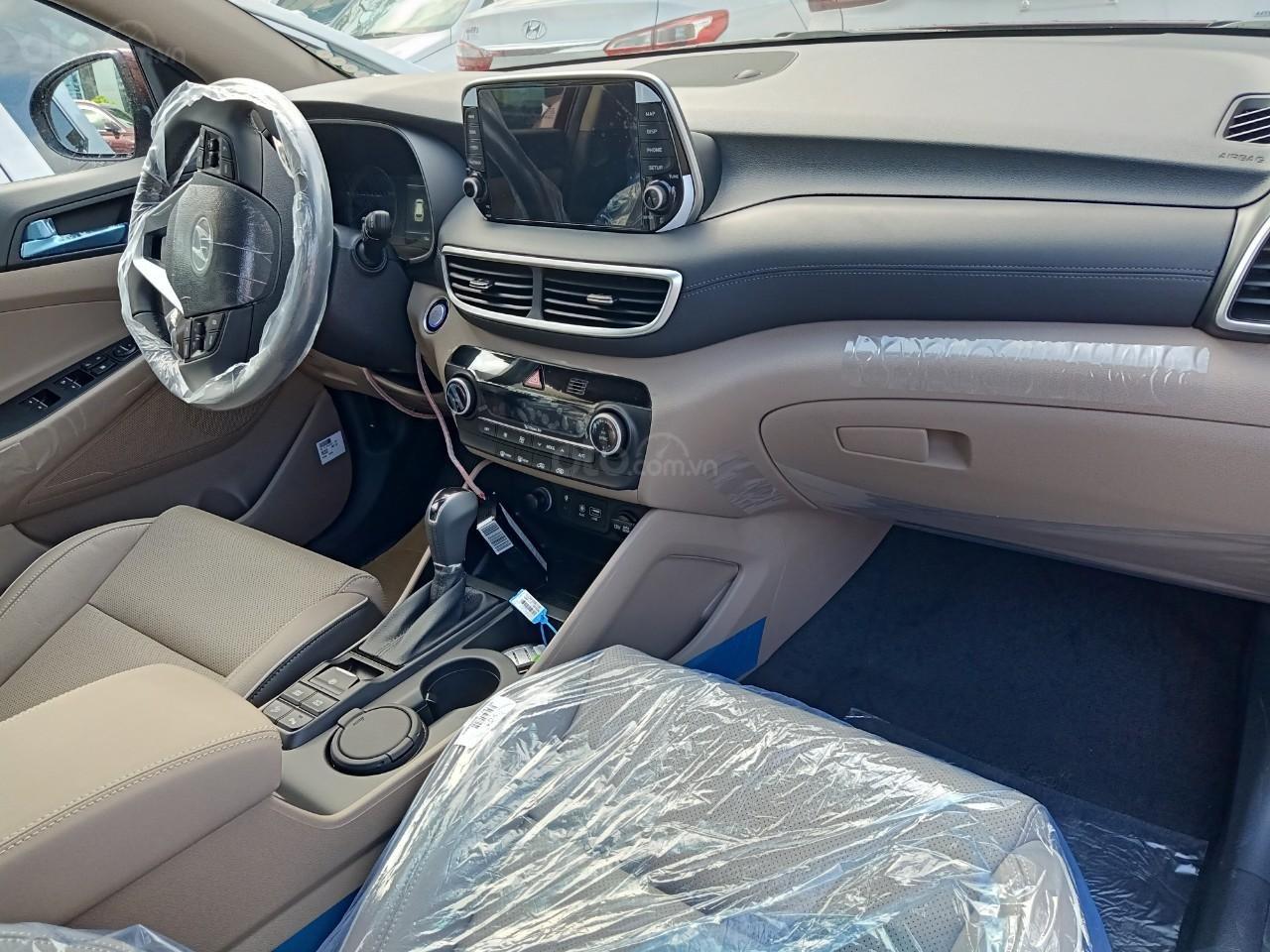 Tucson Turbo 2019 đỏ + Tặng combo Hyundai trị giá 40 triệu đồng + Hỗ trợ trả trước chỉ 10% giá trị xe-3