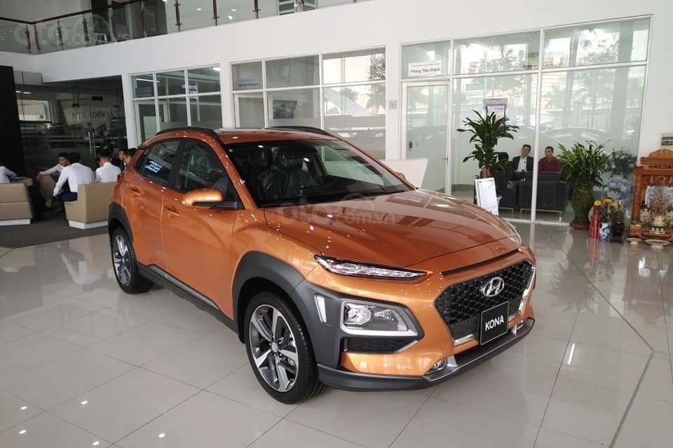 Hyundai Kona giảm 30 triệu đón tháng Ngâu tại Việt Nam a1