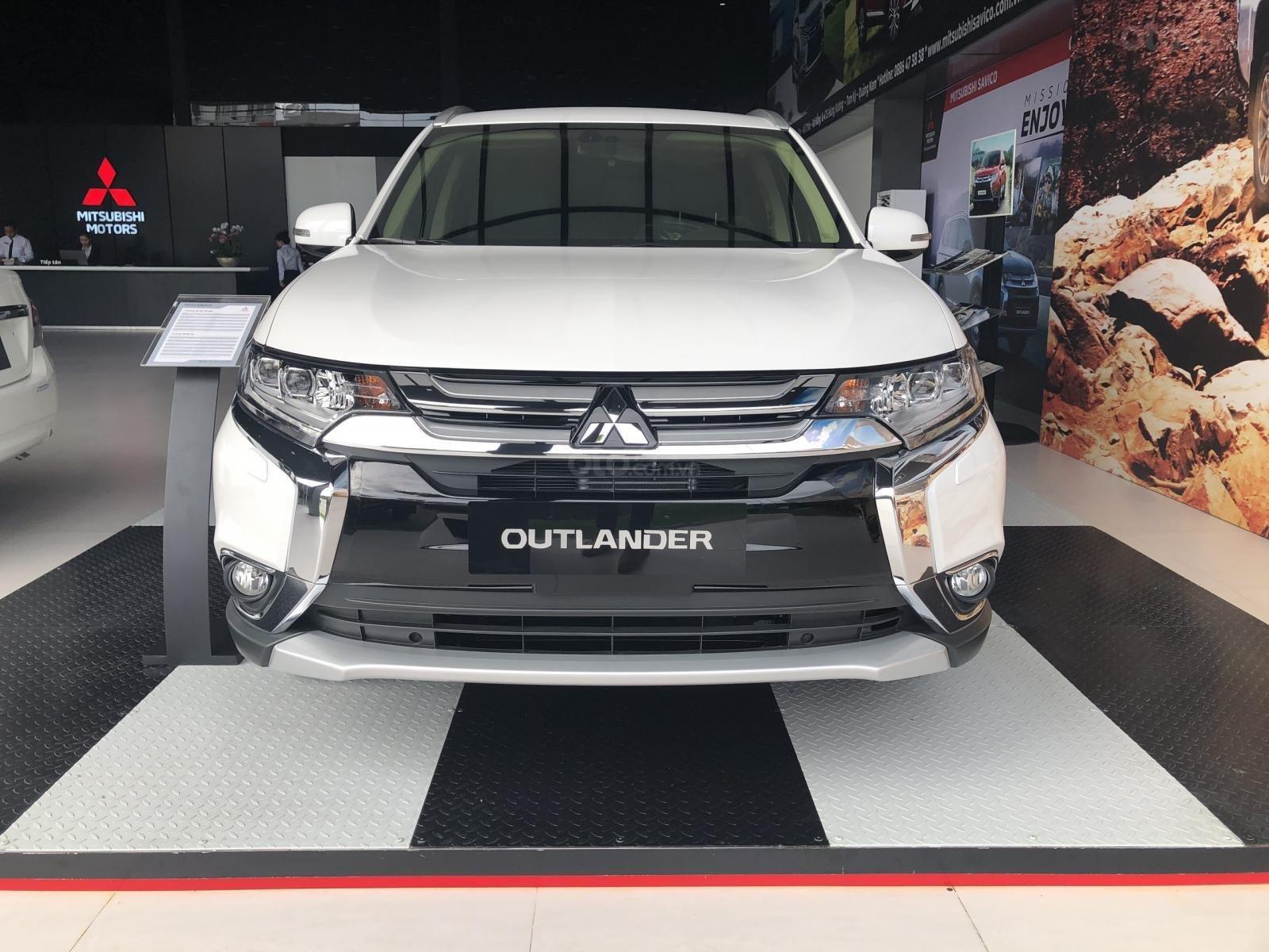 """""""Hot"""" Mitsubishi Outlander 2019, KM khủng tháng 08, chỉ cần 270tr để sở hữu, liên hệ: 0935.782.728 (Vũ Quang)-0"""