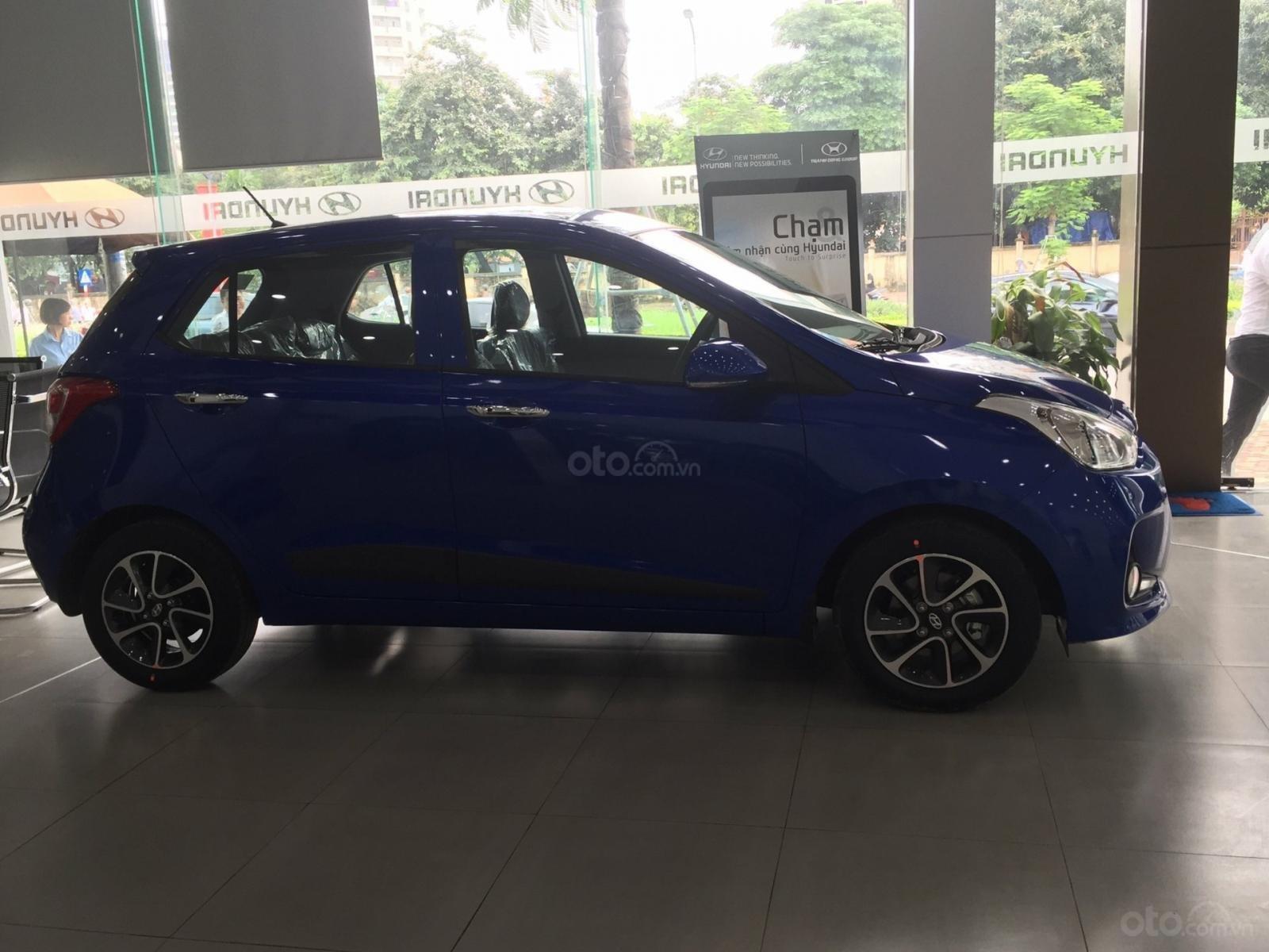 Hyundai Grand i10 1.2 AT mới 2019, màu xanh, xe sẵn giao ngay (2)
