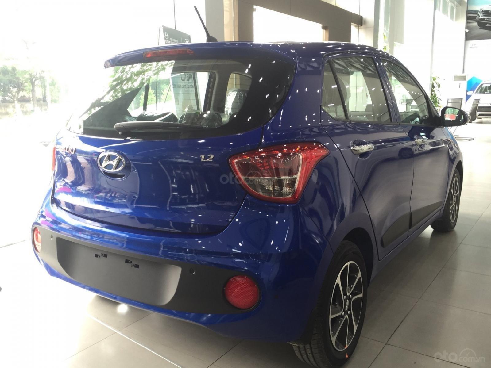 Hyundai Grand i10 1.2 AT mới 2019, màu xanh, xe sẵn giao ngay (3)