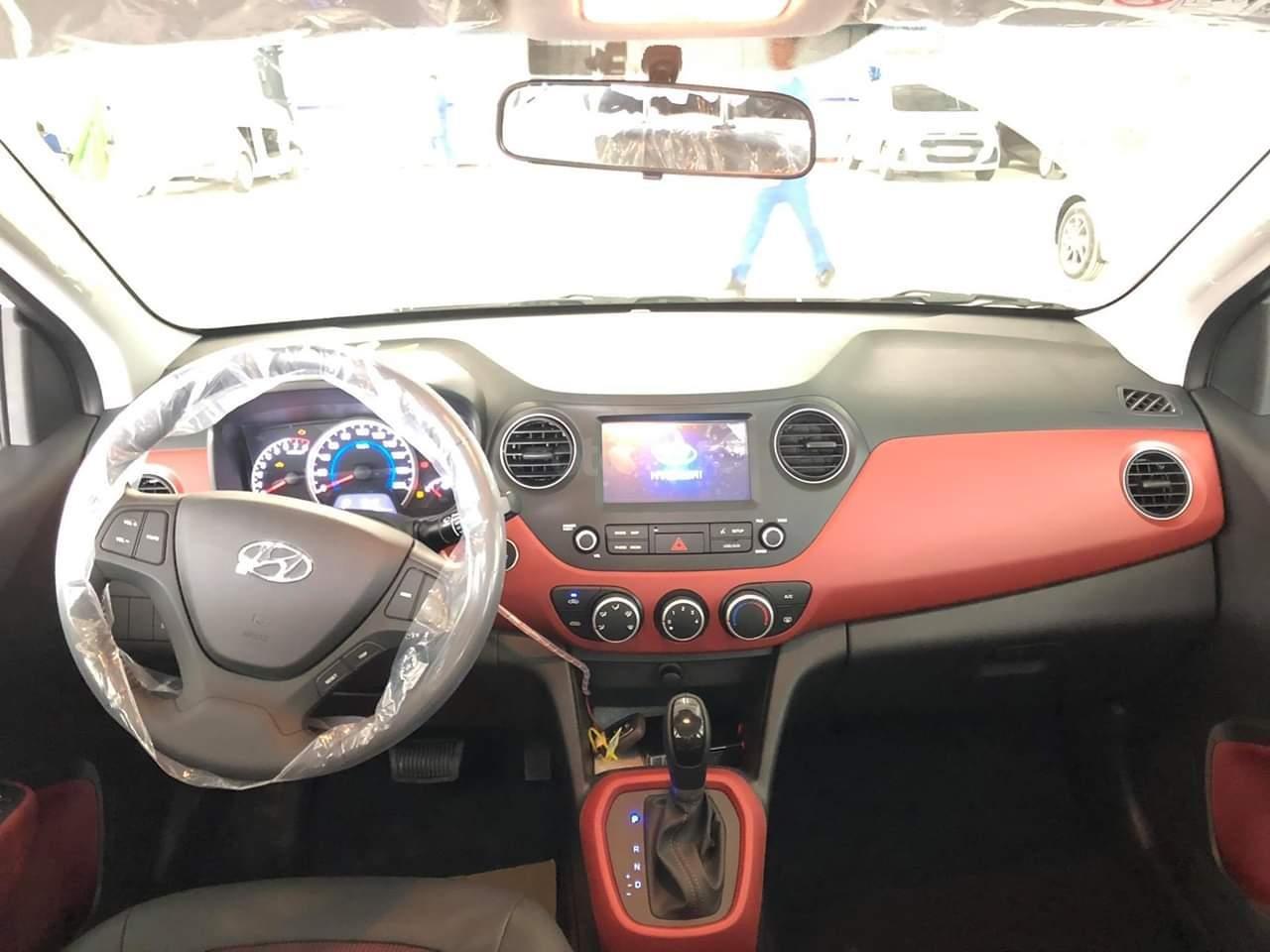 Hyundai Grand i10 1.2 AT mới 2019, màu xanh, xe sẵn giao ngay (4)