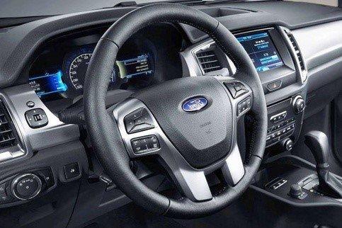 Nội thất của Ford Everest 2020 không có nhiều điểm khác biệt so với thế hệ tiền nhiệm