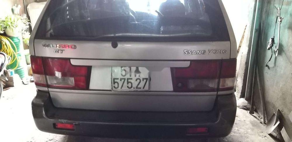 Gia đình bán xe Ssangyong Musso 2002, màu bạc, nhập khẩu   (2)