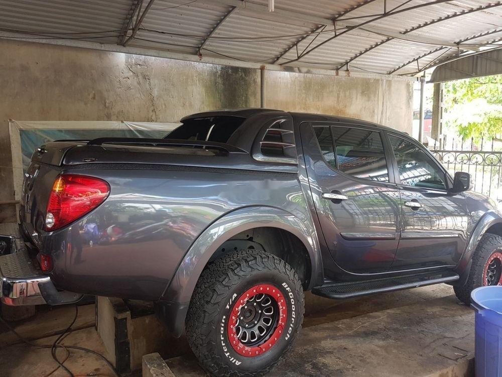 Cần bán Mitsubishi Triton sản xuất 2015, màu xám, nhập khẩu   (4)