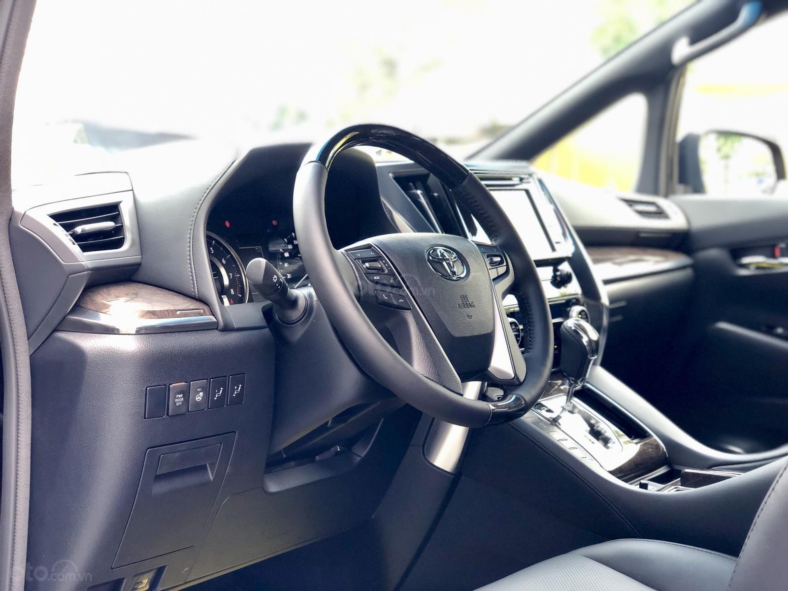 Giao ngay Toyota Alphard Excutive Lounge 2019, xe mới có sẵn ở showroom, LH Ms. Hương 094.539.2468 (5)
