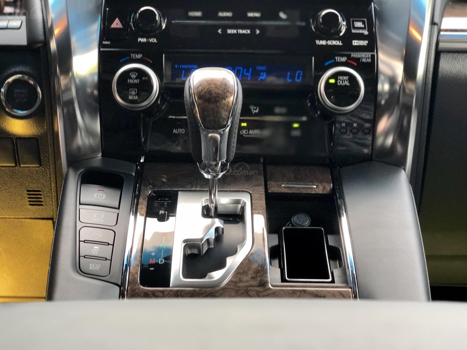 Giao ngay Toyota Alphard Excutive Lounge 2019, xe mới có sẵn ở showroom, LH Ms. Hương 094.539.2468 (17)