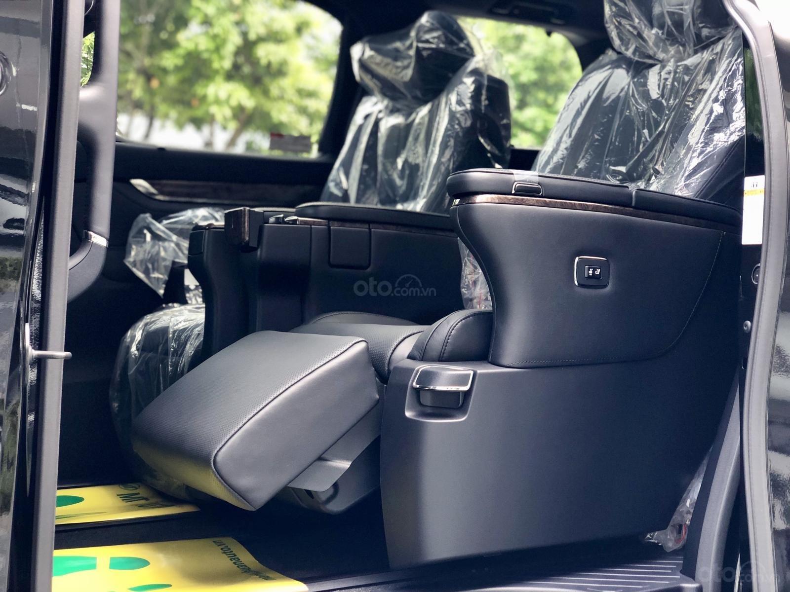 Giao ngay Toyota Alphard Excutive Lounge 2019, xe mới có sẵn ở showroom, LH Ms. Hương 094.539.2468 (20)