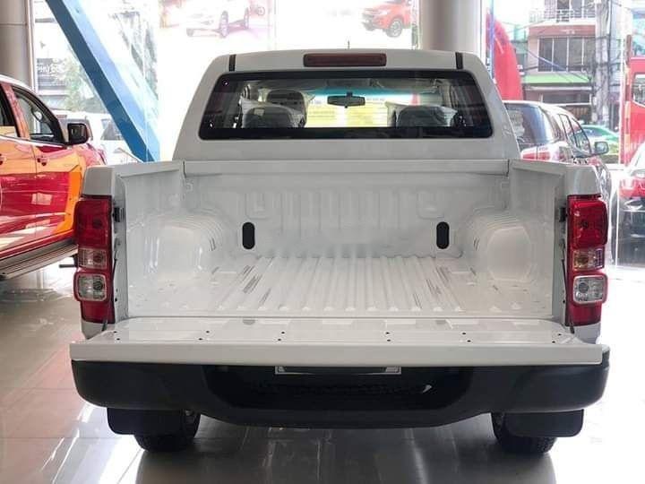 Bán Chevrolet Colorado đời 2019, màu trắng, xe nhập (3)