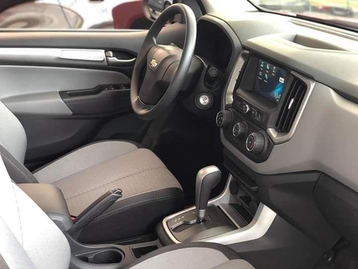 Bán Chevrolet Colorado đời 2019, màu trắng, xe nhập (4)