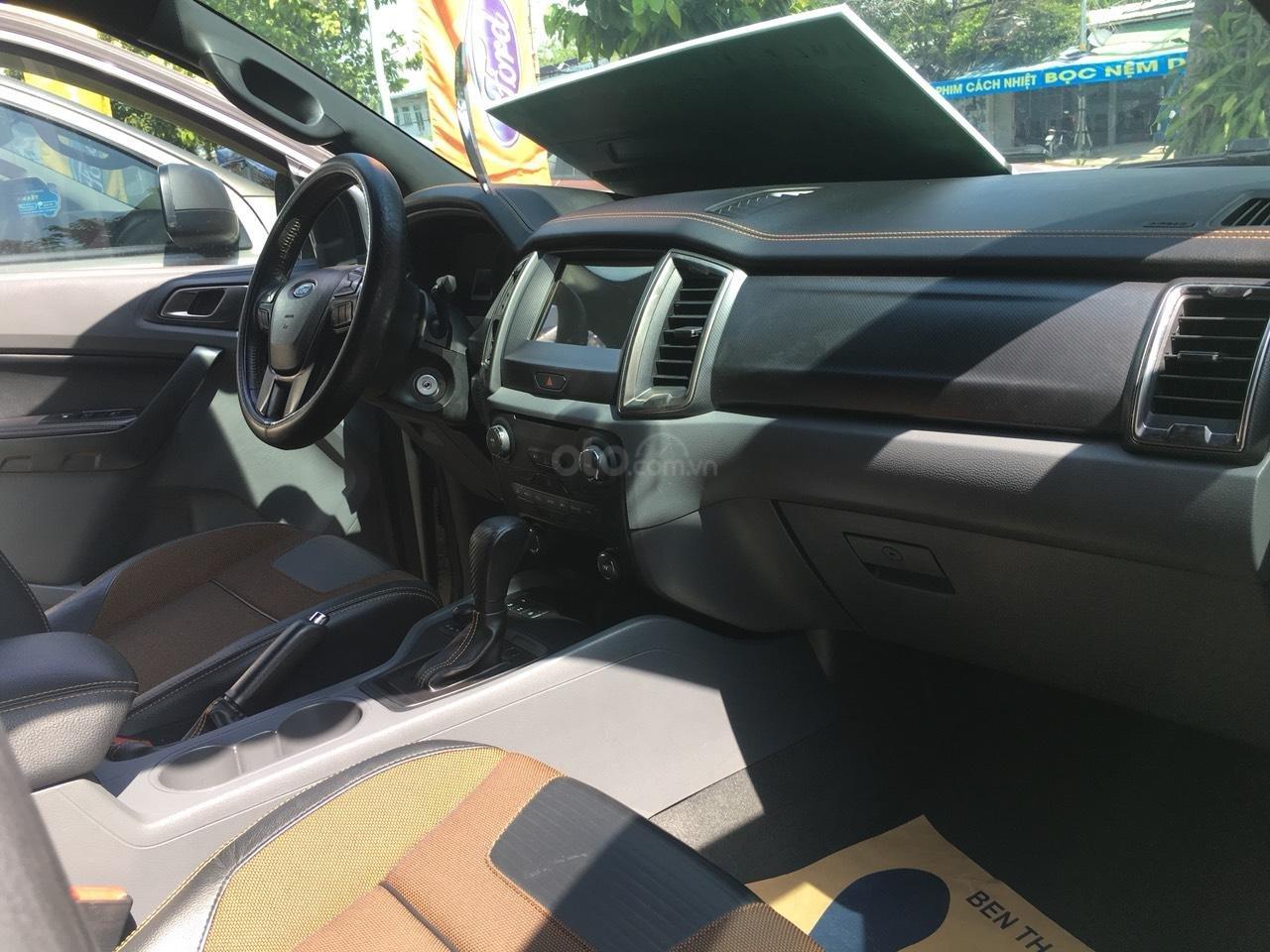 Bán xe Ford Ranger Wildtrak 3.2L đời 2015, màu trắng, xe nhập, giá chỉ 720 triệu (4)